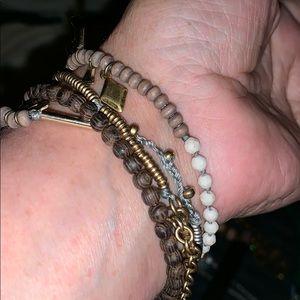 Necklace/bracelet layered